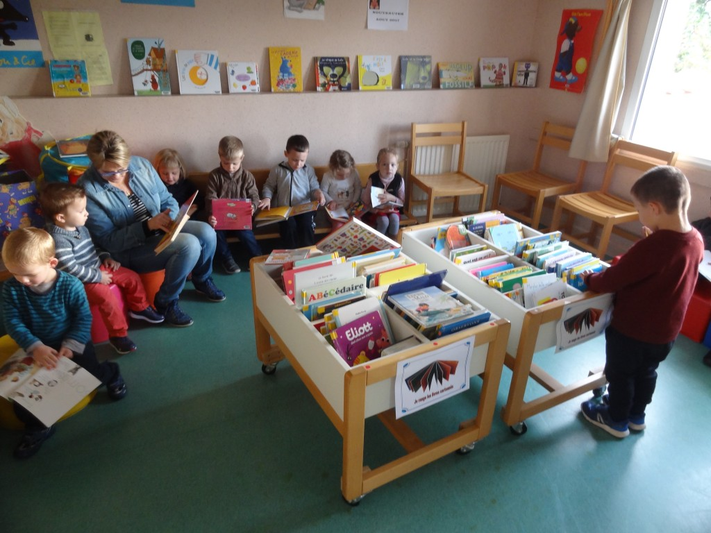 Souvent Tablier à comptines à la bibliothèque – Ecole Sainte Anne Saint  HQ98